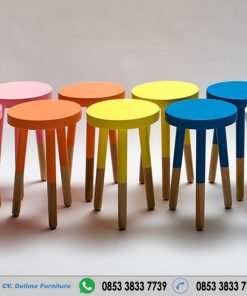 Kursi Cafe Stool Bulat Warna Warni