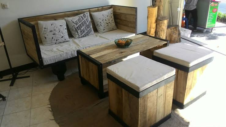 Sofa Cafe Furniture Kayu Pallet