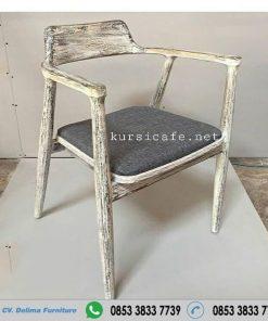Kursi Cafe Rustic White Whose Antik