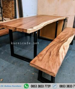 Meja Kayu Trembesi Solid Dining Table